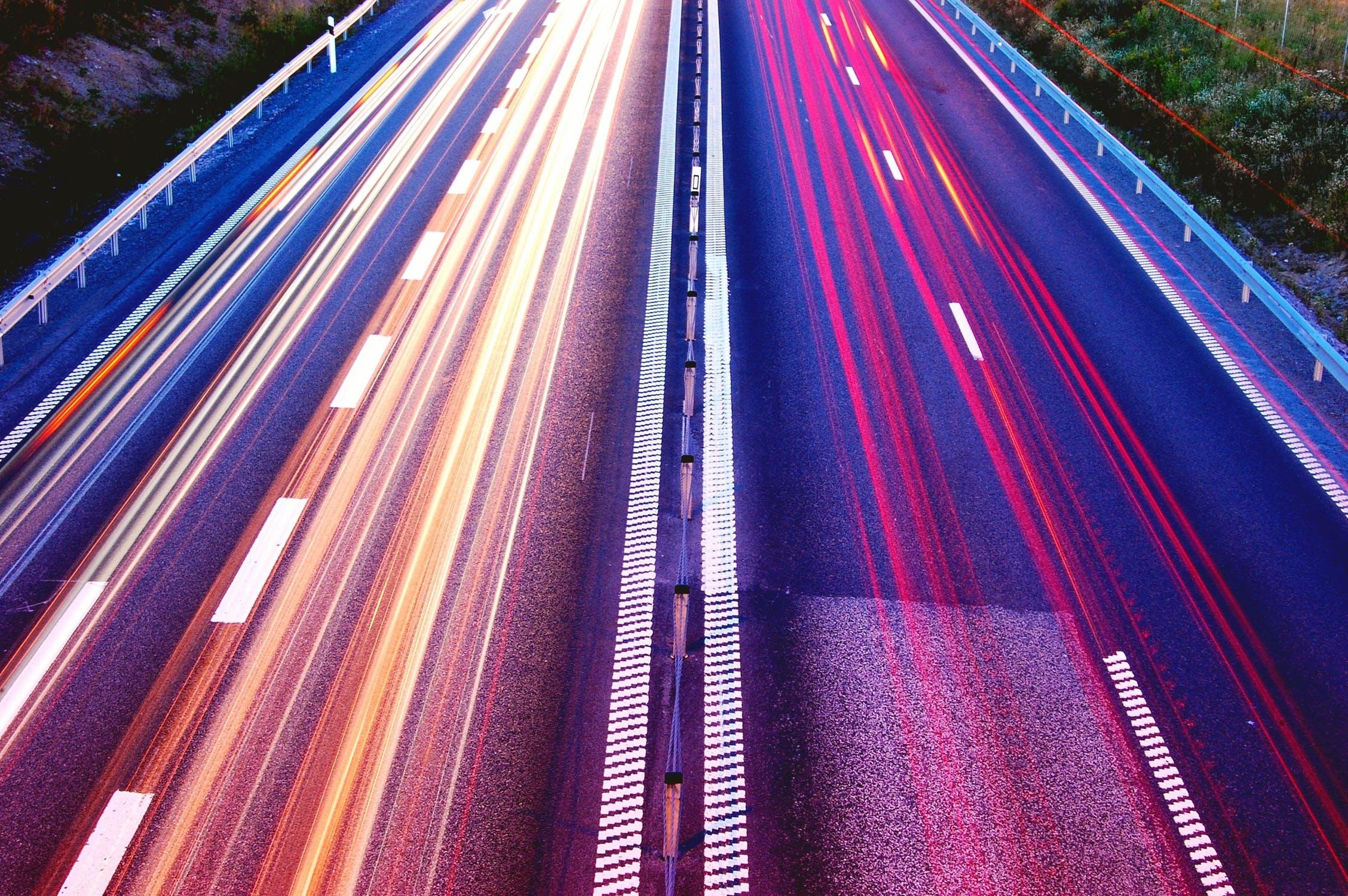 Dashboard Week Day 5 – US Interstate Traffic Flow